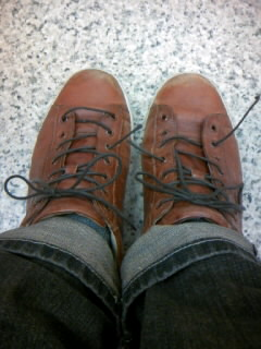 靴ひも切れた